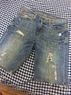 美牌 AMERICAN EAGLE 水洗破壞牛仔短褲 32腰