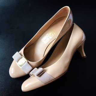 Preloved Authentic Salvatore Ferragamo Shoes Size 8C