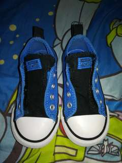 🔴REDUCED PRICE 1250php Original Imported Converse blue sneakers