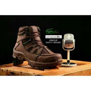 Sepatu boots touring