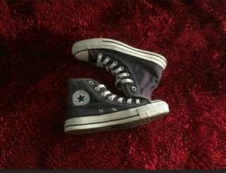 Lagi butuh sepatu converse 37/38/ klw bisa barter