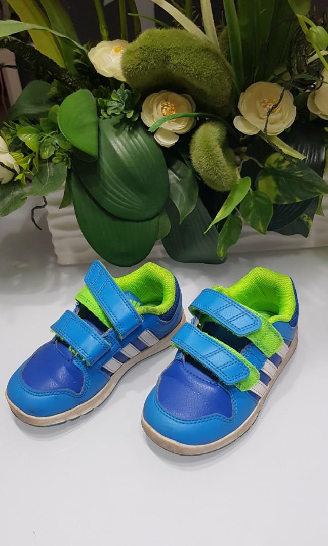 d0db53c711 Kids Adidas Shie