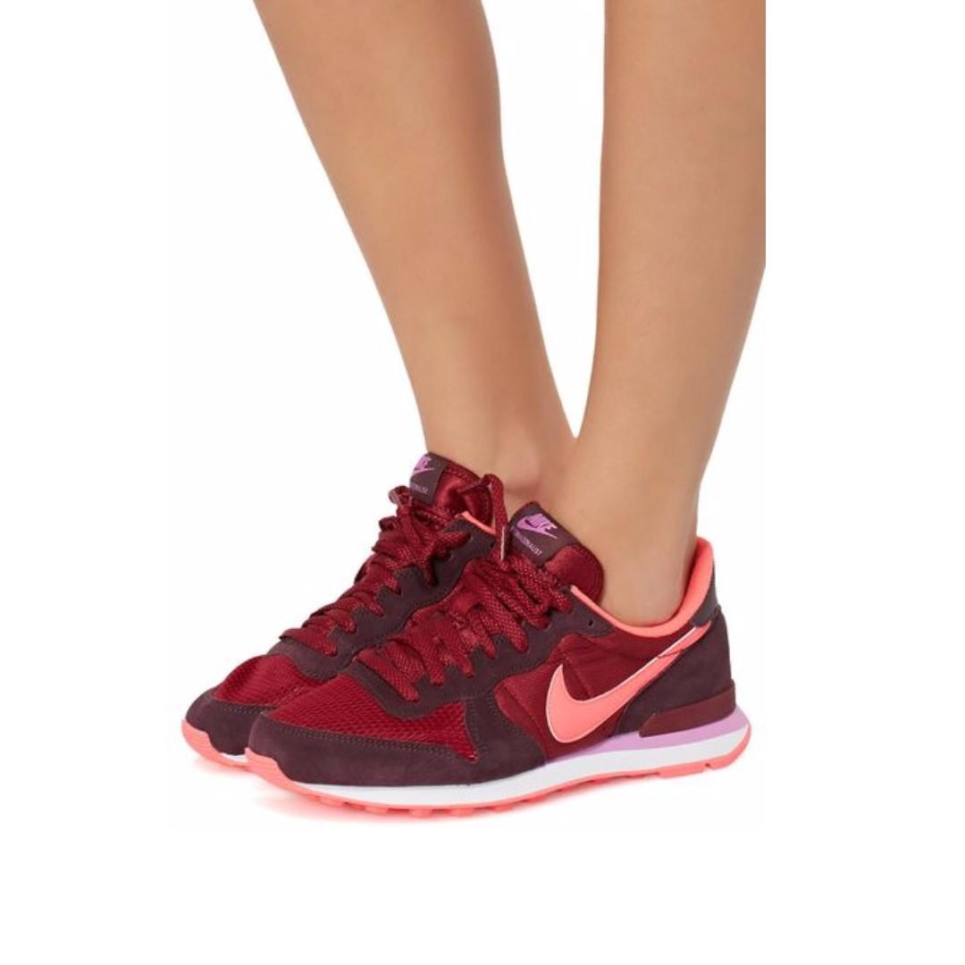 052017d71c66 Nike Womens Internationalist Deep Burgundy Sneaker   SRP of Php ...