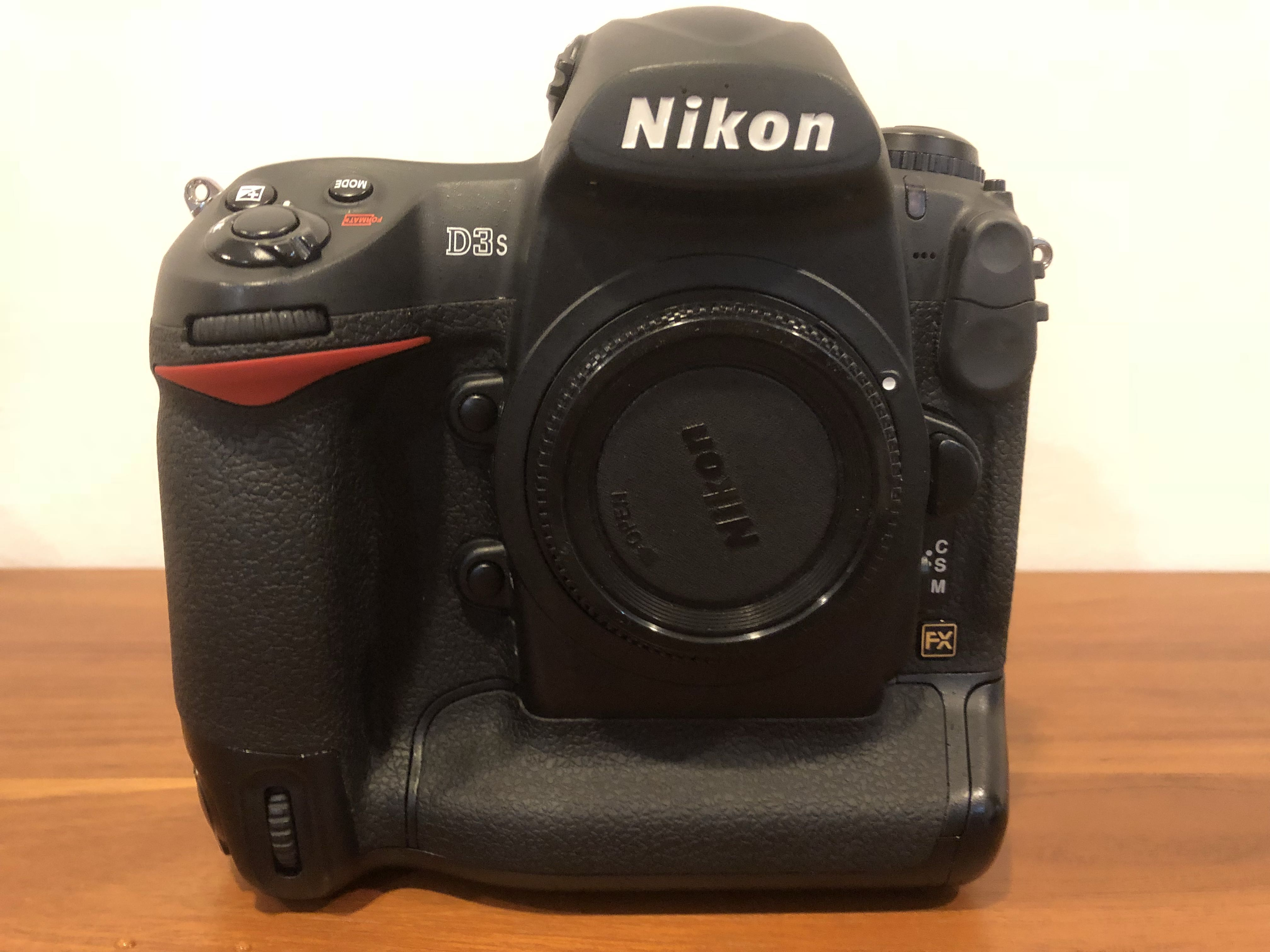 Nikon D3s, Photography on Carousell