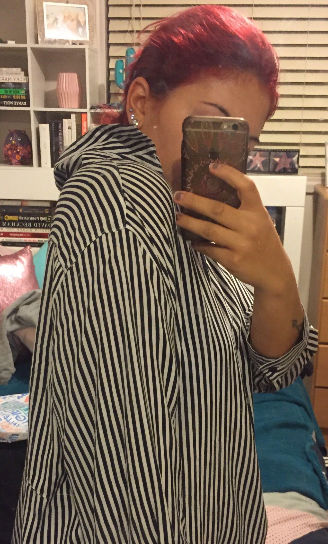 V neck navy stripped shirt