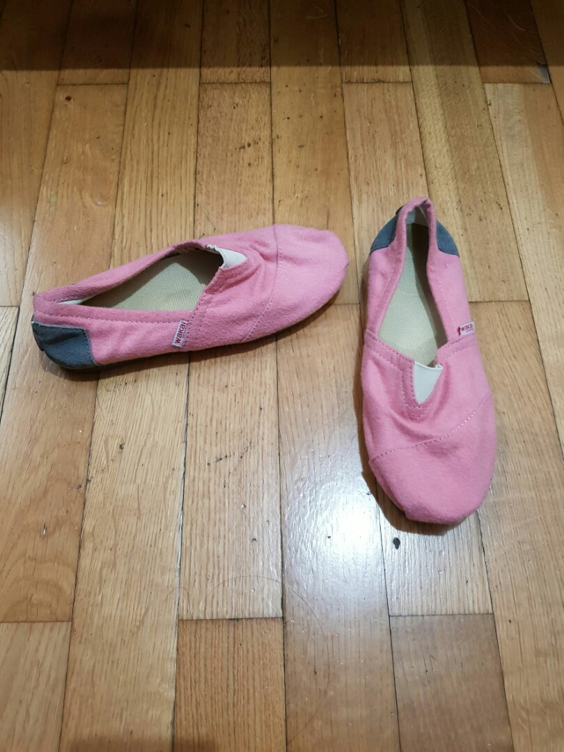 WAKAI warna pink soft.. Size 36, Women's Fashion, Women's Shoes on Carousell