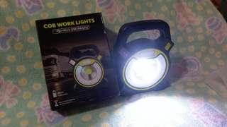 🚚 便攜式電燈(閃爍警示燈功能)Portable electric light (flashing warning light function)