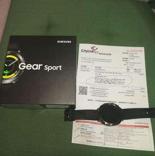 全新Samsung gear sport購於18年5月7日只開過盒 女友送,但準備轉iPhone買Apple  watch 所以唔岩用 領域買$1999 現$1800 有單配件全齊