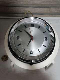 Vintage Diamond Wall Clock (Back Diameter Approx. 26.9cm)