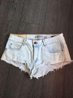 Zara Distressed Jean Denim Shorts Light Blue Size 6