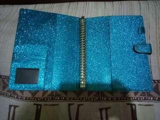 Binder glitter