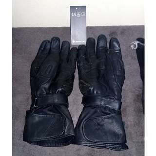 glove riding