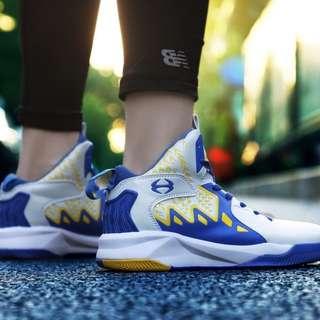 很新籃球鞋,EU44號27公分,500元。