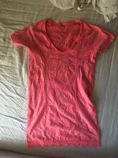 Lululemon shirt size 4