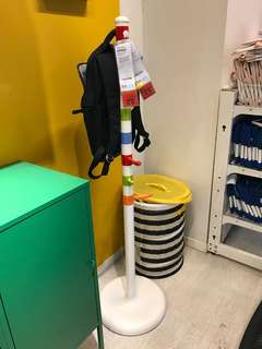 Clothes Stand Krokig