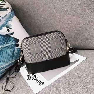 Korean Houndstooth sling bag
