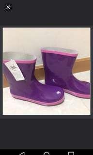 Rain boots size 40                                    全新大碼水鞋雨靴