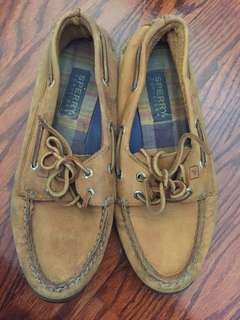 Tan Sperry's - women's size 8
