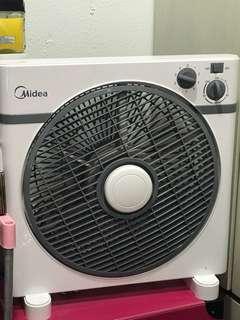Midea Fan