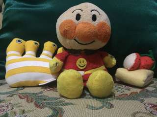 Stuffed toys sold as a bundle
