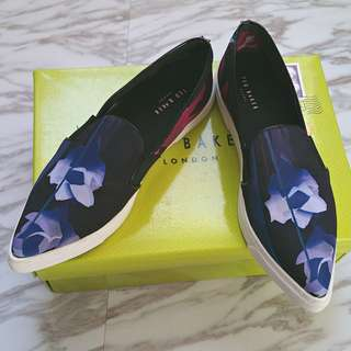 Ted Baker London Purple Graphic Floral Pointy Toe Flats - Size 36 EUR