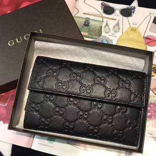 特價母親節精選:Gucci 全真皮銀包,英國🇬🇧outlet購入,香港現貨