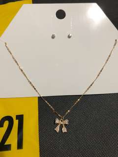 Brand New Auth Forever 21 Necklace and Earrings Set