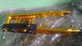 Arm 125 Gold