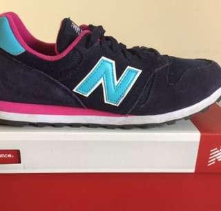 Sepatu New Balance (NB)