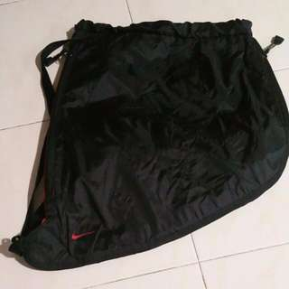 PRE-LOVE NIKE LIGHT WEIGHT BLACK BACKPACK FOR SALES