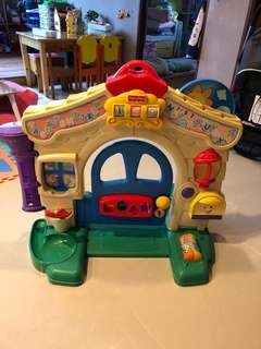 CLEARANCE! Fisher price playhouse