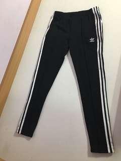 🚚 Adidas original 女款窄管長褲/褲管拉鍊