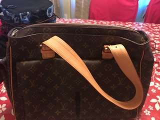 Authentic Louis Vuitton Bag in good conditon