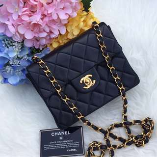 ❌SOLD❌ Super Rare and Popular!💕💕Chanel Vintage Mini Square in Black Lambskin 22k GHW