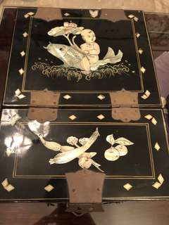 Antique Chinese lacquer Mother of pearl inlay mirror jewellery box