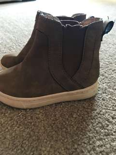 Cotton On toddler boots