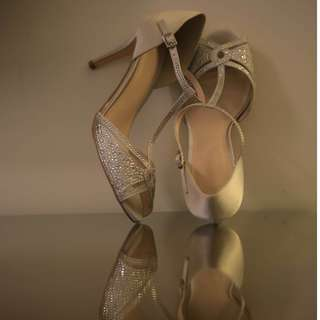 CMG shoes size 8