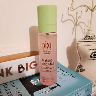Pixi skintreats makeup fixing mist