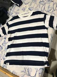 🚚 降價!!GU深藍白條紋T M號 女生也可穿!!