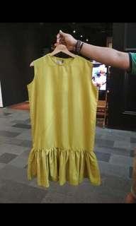 Midi dress yellow