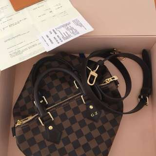 Louis Vuitton speedy 25- with initial