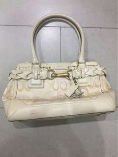⚡️Authentic! Sale! Coach white monogram leather hand bag