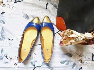 SALE: blue&gold flat shoes