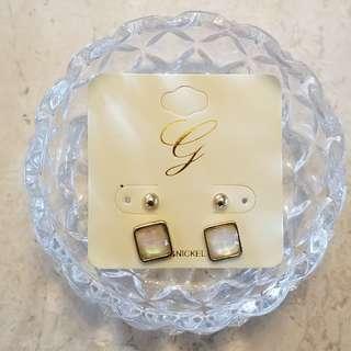 OL方形珍珠面耳環(4隻)