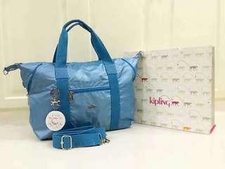 Kippling bag with paper bag