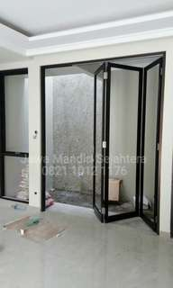 Pintu lipat aluminium