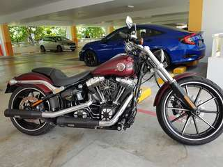 A Shining Muscle Harley Davidson FXSB Softail Breakout..!!!