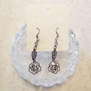型格 黑玫瑰閃石耳環