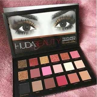 Huda Textured Shadow Palette