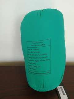 Sleeping bags for camping- reduced to go by 13 oct
